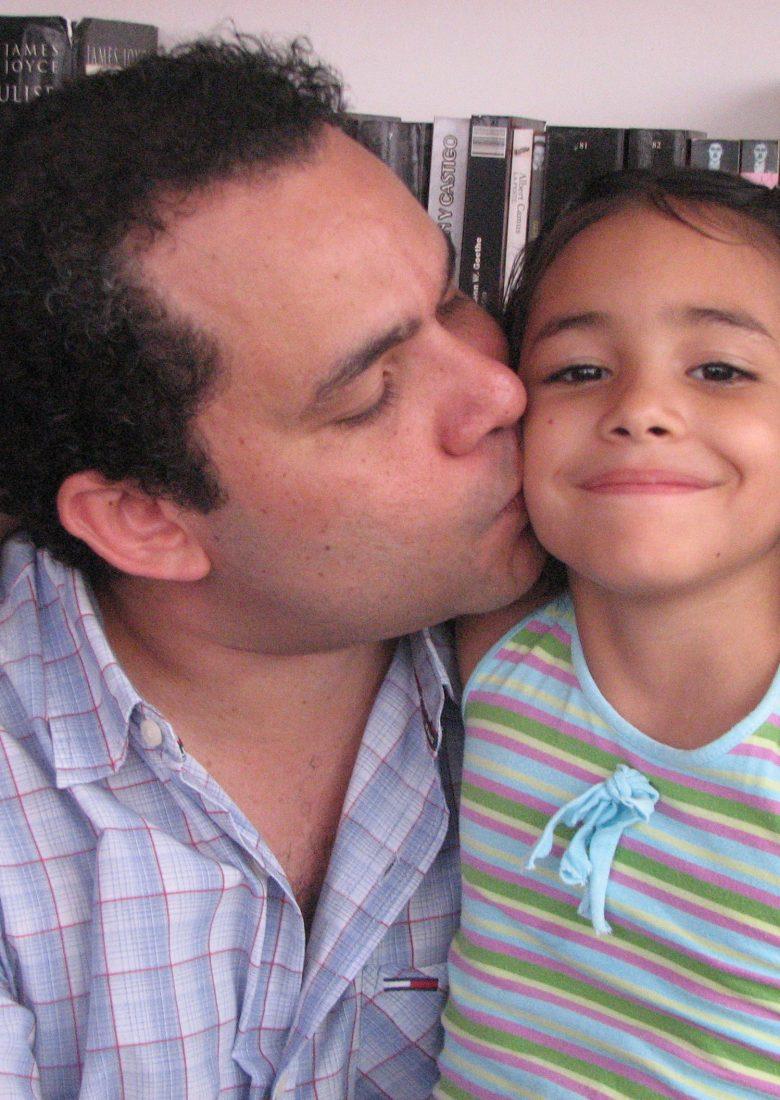 Hernan Urbina Joiro, escritor de Colombia, escritores de Colombia, ensayista colombiano, raisa urbina