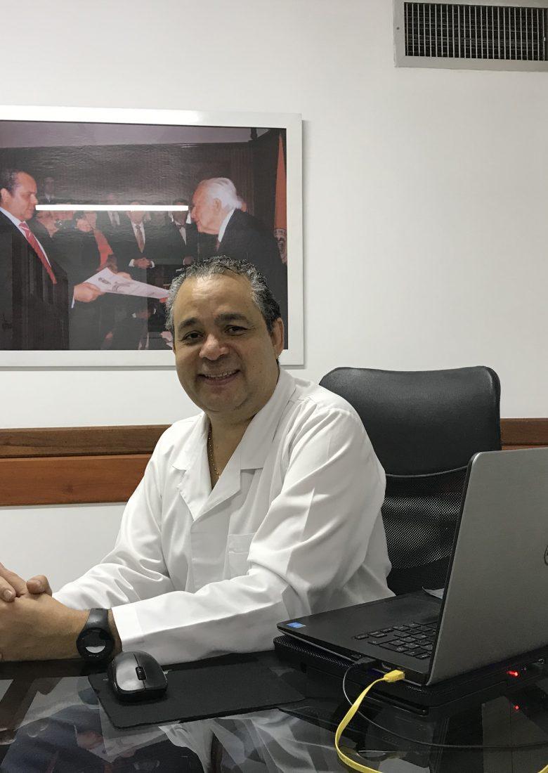 Consultorio-Hernán-Urbina-Joiro