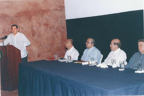 El poeta como historiador | Hernán Urbina Joiro | 2003