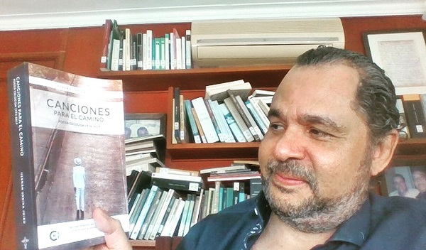 Cumplir 55 con 182 amigos | Hernán Urbina Joiro Poesía