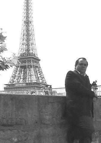 Hernán Urbina Joiro Poema 160 Frente a La Ópera de París